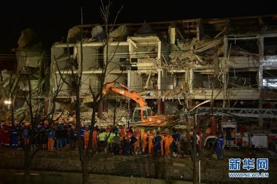 浙江境内高速槽罐车爆炸已造成19人遇难